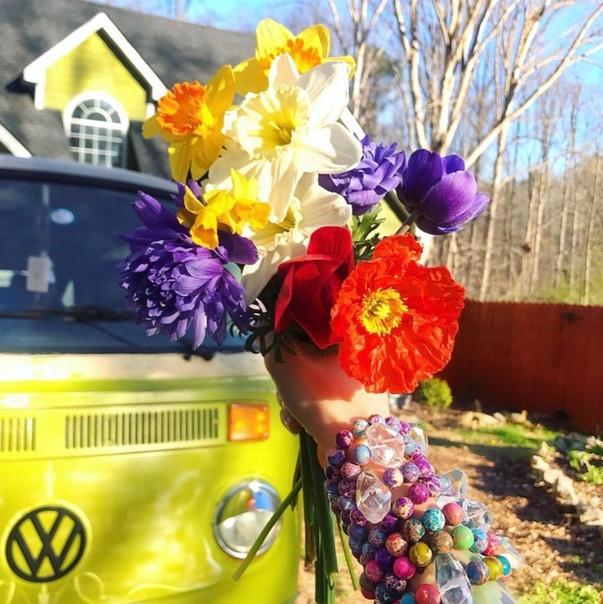 Весна уже вовсю стучится в наши двери и окна!