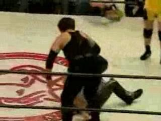 Lioness Asuka, Sakura Hirota vs. Mayumi Ozaki, KAORU (6.7.2001)