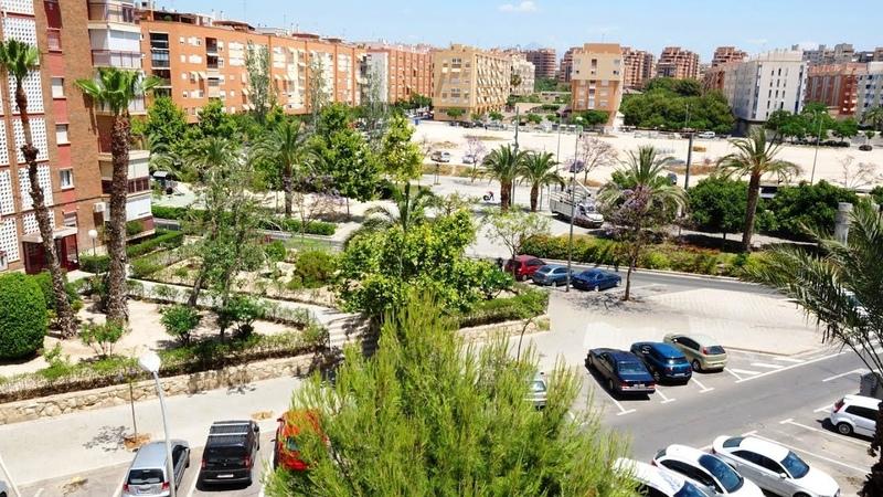 Квартира в Аликанте, Испания, 3 спальни, район Pla Del Bon Repos, продажа недвижимости в Испании