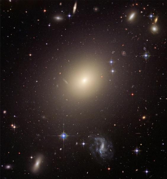 Какие бывают галактики В 1936 году Эдвин Хаббл предложил последовательность эволюции галактик, которая, с незначительными модификациями, остается актуальной до сих пор. По этой классификации