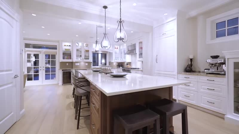 An Incomparable 8 year old Transitional Home