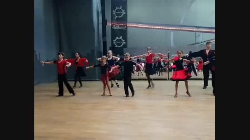 Красно-Чёрное