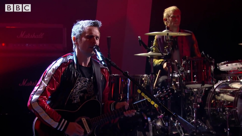 Muse invite Jools to join them for an epic rendition of Dig Down on Later...