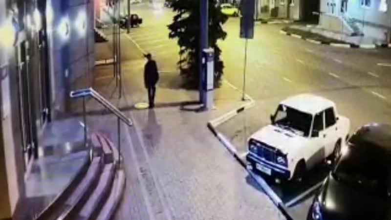 Нетрезвый водитель уходил от погони и врезался в дорожный знак. Белгород. 16.10.2018
