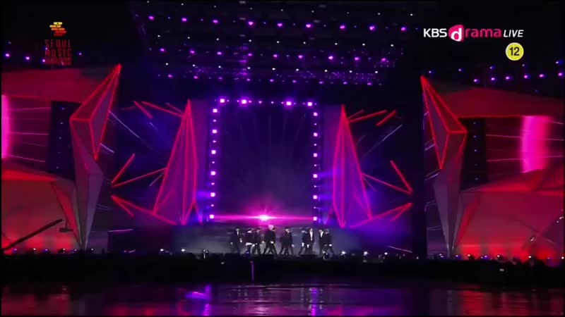 The spoiler for the new choreo of their new song!!_httpst.co_VUqHJTS8Sl ( 720 X 1280 ).mp4