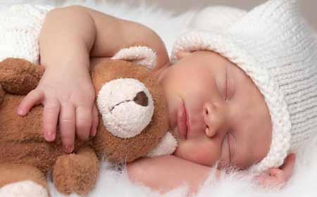 Студия фотографии, которая фотографирует новорожденных, может нуждаться в реквизите.