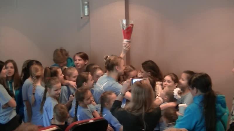 Поздравление с 8-м марта.Посмотрите как они любят своего педогога, свою Анастасию Андреевну, Настю,Настеньку.