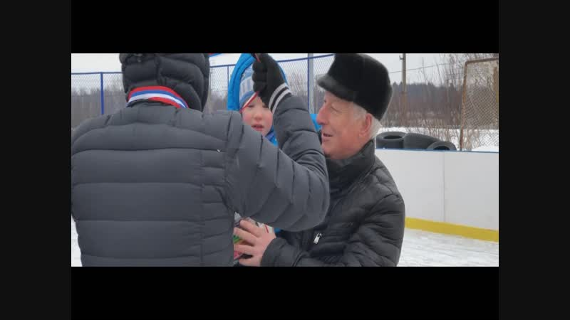 Соревнования по шорт-треку у домов № 1 и 1А. Р.п. Киевский. 2019 год.