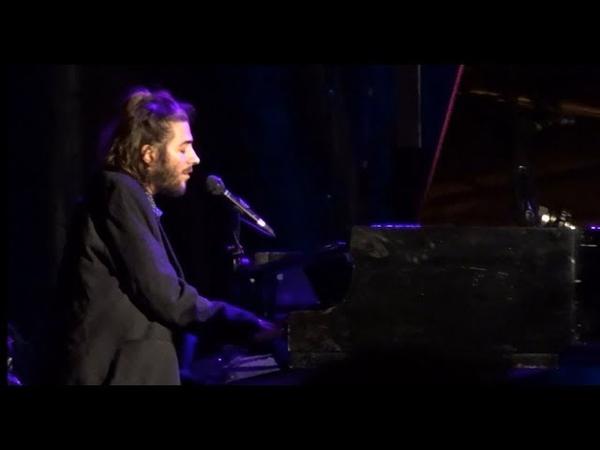 Salvador Sobral - Ninguém Escreve À Alice | LIVE | Last Concert