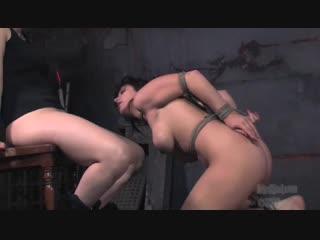 foto-galerei-femdom-auktsion-rabin-foto-lesbiyanki