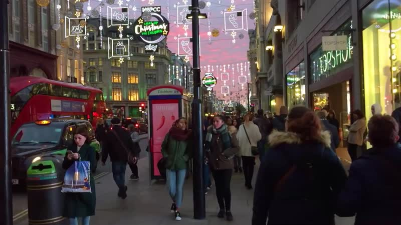 LONDON WALK Oxford Street at Christmas Tottenham Court Road to Oxford Circus England 1
