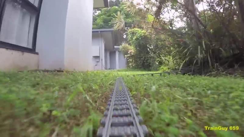 Железная дорога через дом и сад tktpyfz ljhjuf xthtp ljv b cfl