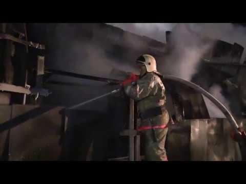 Пожар на складе площадью 1600 кв. метров