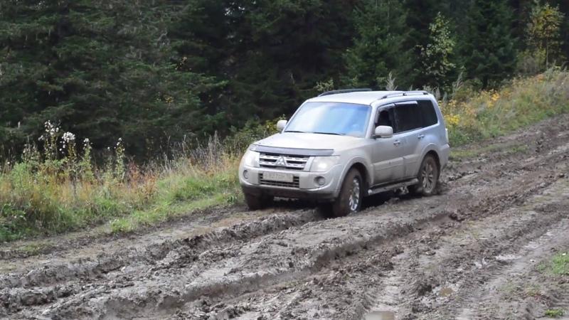 Pajero 4, шины Hankook Dynapro ATM RF 10 в сибирской грязи.
