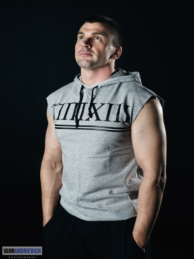 Антон Неутов