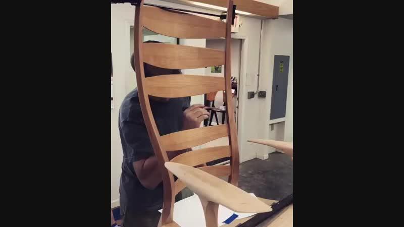 Такой стул стоит немало