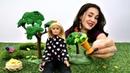Видео для девочек. Барби собирается на прогулку. Игры в куклы.