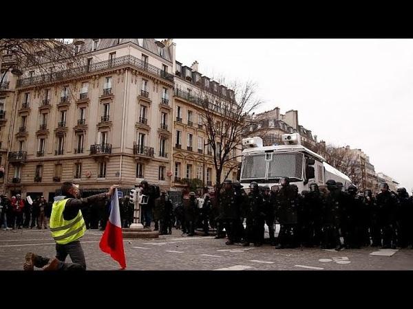 Желтые жилеты возмущены словами Макрона о ленивых французах…