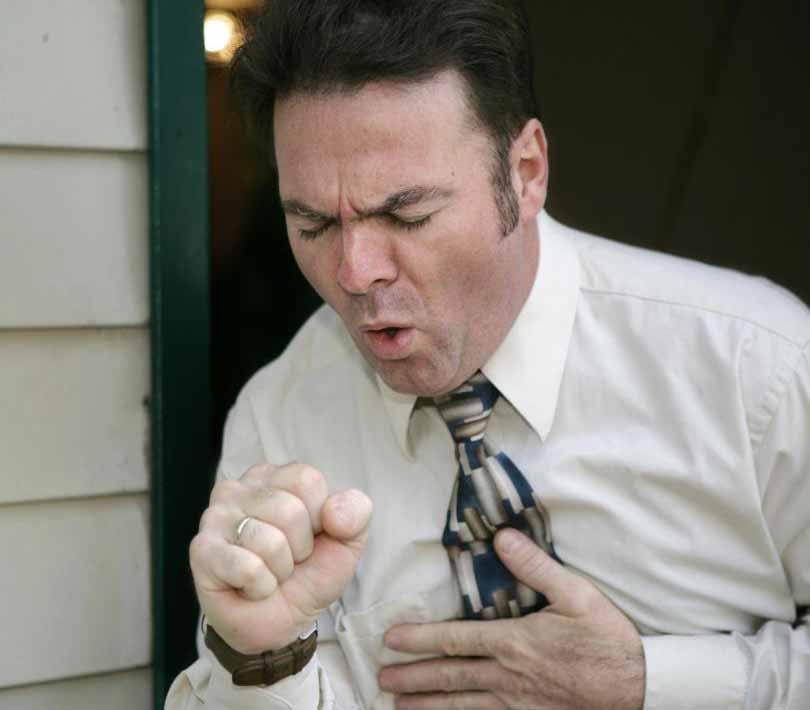 Люди с черной болезнью легких могут испытывать хронический кашель.