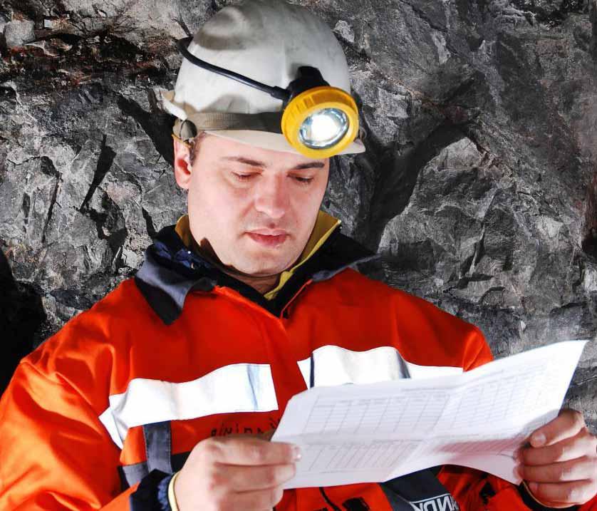Те, кто работает в угольных шахтах, подвергают себя риску заболевания черными легкими.