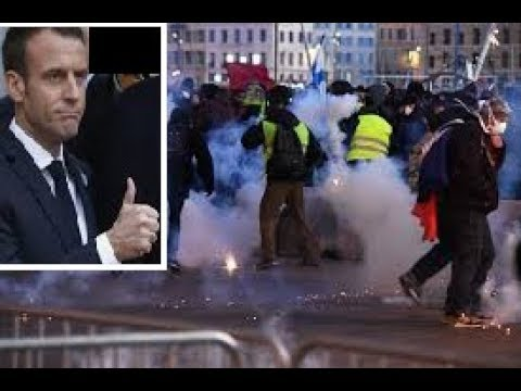 Gilets Jaunes - 9 mn DULTRA Violence (Police de Macron) 4 public averti