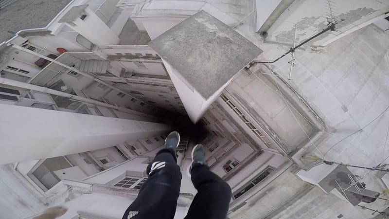 Run Escape on the roofs - Parkour Pov