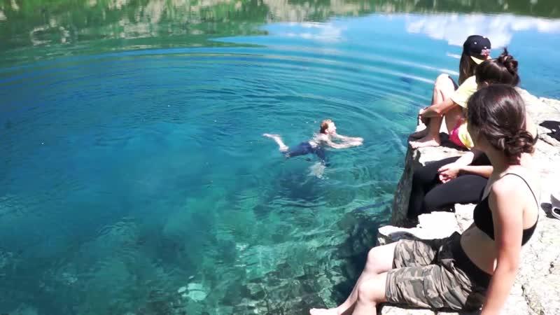 Купаемся в горном озере