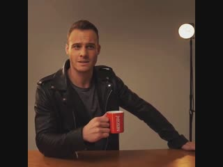 Керем Бюрсин - реклама Nescafe