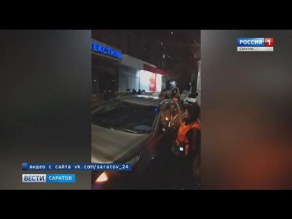 Иномарка блокировала трамвайные пути в центре города
