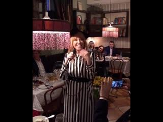 Алла Пугачева - Женщина, которая поет