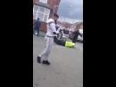 ️ Birmingham la police locale à la recherche des auteurs de l'agression d'un homme en scooter, qui a eu lieu hier matin.