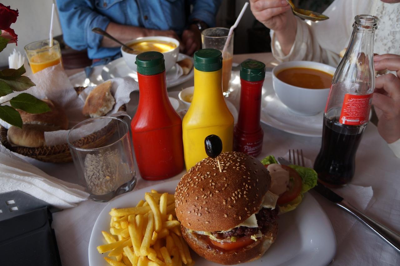 Поесть в ресторане в Марокко