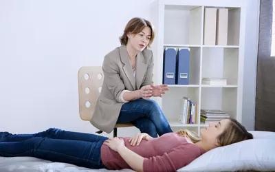 Передозировки возникают, когда человек принимает дозу, превышающую рекомендованную с медицинской точки зрения.