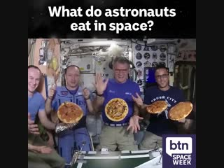 What astronauts eat in space?