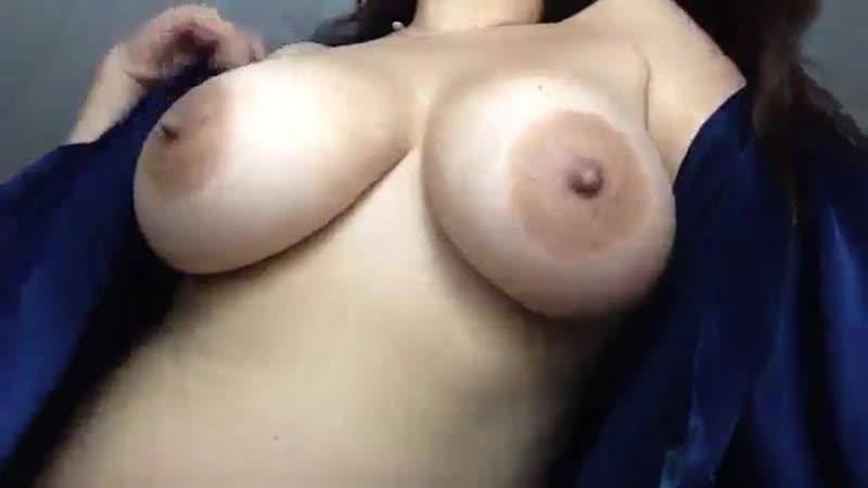 Горячие натуральные сиськи хорошего размера на вебку, секс домашнее любительское не порно большие дойки