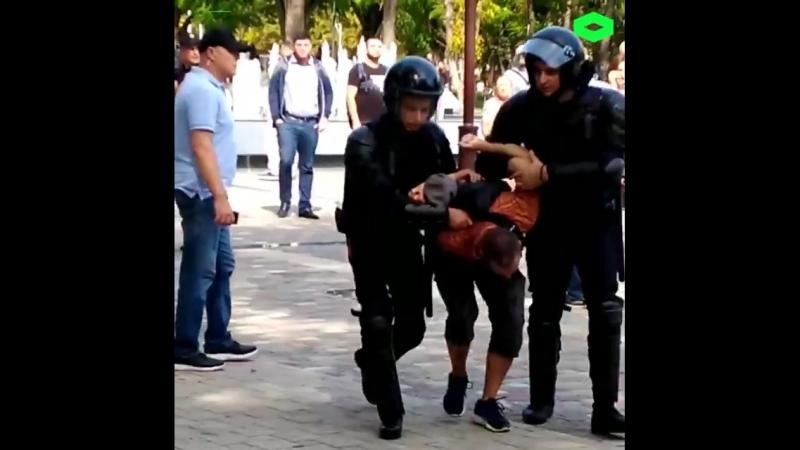 Итоги воскресных акций против пенсионной реформы: больше тысячи задержанных, полицейское насилие и как минимум два уголовных дел