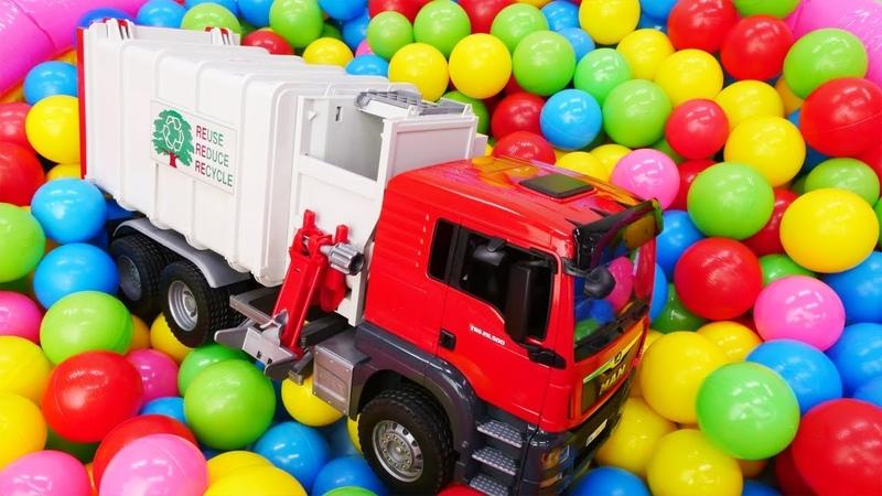 Видео для детей про большие машинки Как Мусоровоз собирает мусор