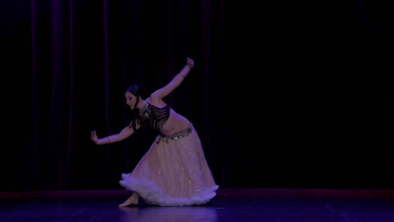 Valenteena Ianni tribal fusion dancer, at The Massive Spectacular!