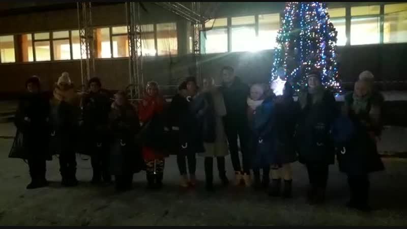 Счастливые девчата после городского конкурса Ступени Олимпа на территории Дворца творчества имени А.П.Гайдара