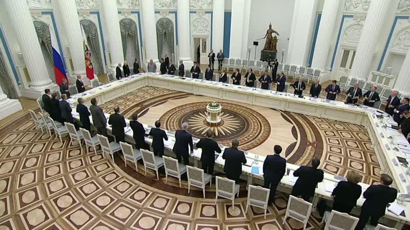 Владимир Путин провёл в Санкт-Петербурге заседание Совета по культуре и искусству.