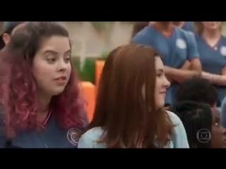 Globo dá aula sobre fascismo à adolescentes.