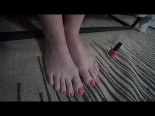 Giantess autumn | the house guests | unaware giantess