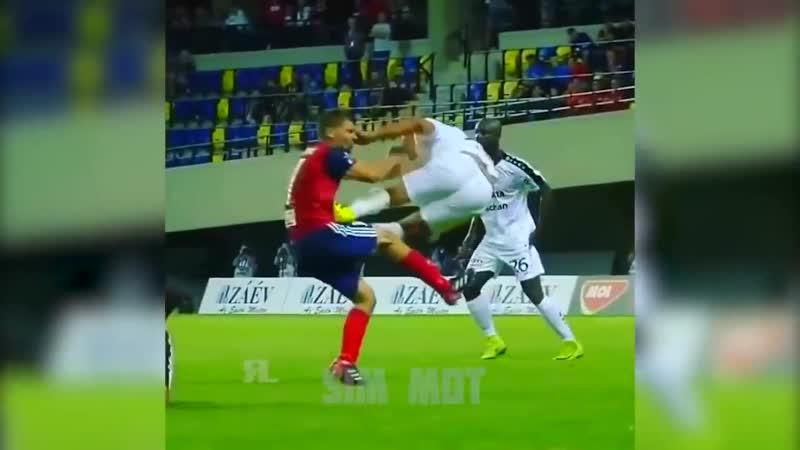 Funny Soccer Football Vines 2018 КРУТЕЙШИЕ МОМЕНТЫ И ПРИКОЛЫ В ФУТБОЛЕ