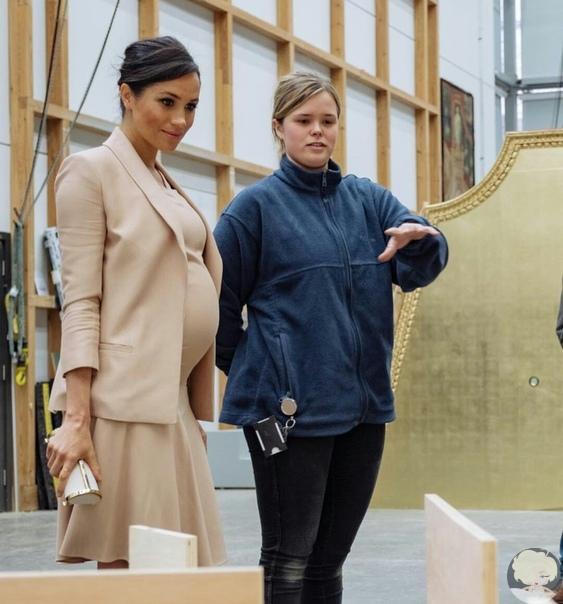 Герцогиня Сассекская посетила Королевский национальный театр в Лондоне