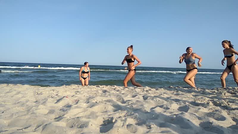 Море,девки бегут,27 августа,18.
