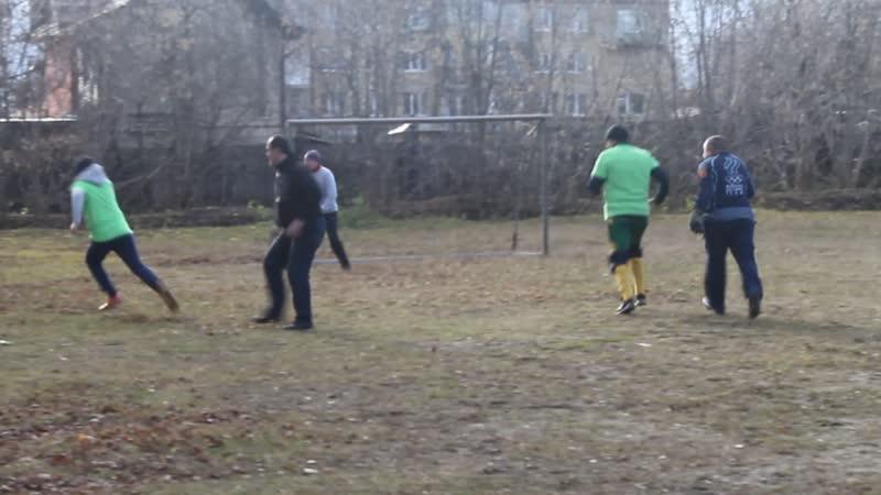 Футбол с бездомными на Гайве