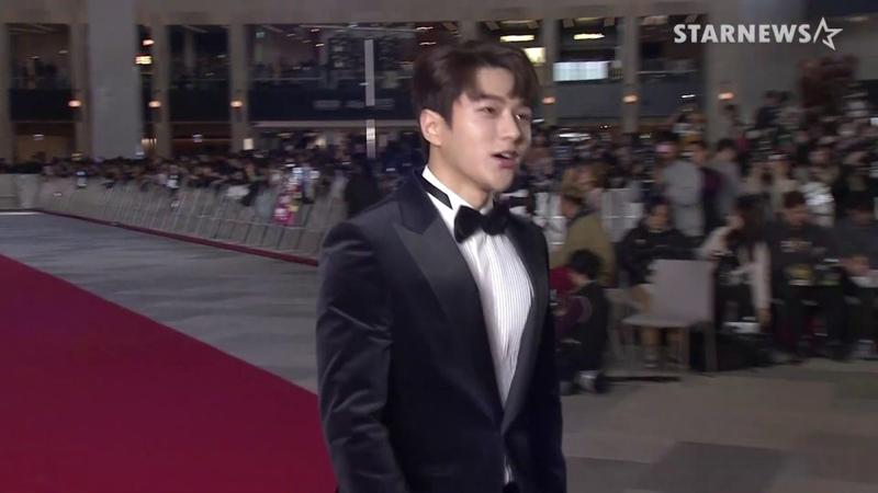 [28.11/06.12.18] Asian Artist Awards   Благодарственная речь Красная дорожка (Мёнсу)   Новостное видео от StarNews