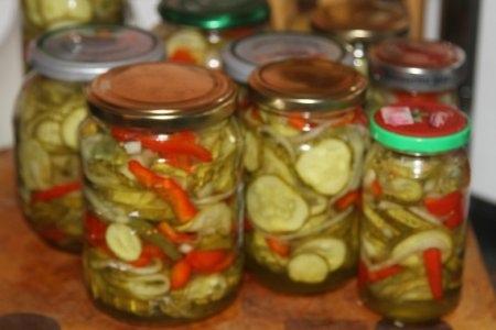 Салат из огурцов и перца на зиму