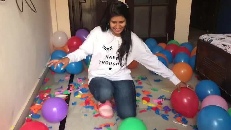 Jheel Jain - Balloon Bursting With Nails - 400 Balloons Challenge
