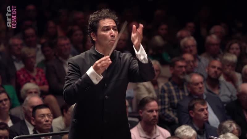 Andrés Orozco-Estrada dirige Chostakovitch la Symphonie n°15